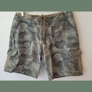 Cabella's Casual Camo High Waisted Shorts Sz 6R